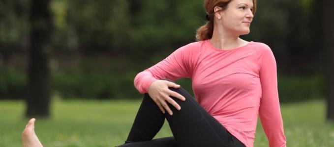 Egyszerű jógagyakorlatok a DOHÁNYZÁS mögöttes okainak oldására